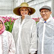 NLD/Bleiswijk/20181122 - Koningin Maxima en president Halimah brengenbezoek aan Horticultural Centre Bleiswijk, Koningin Maxima met President Halimah Yacob en haar partner