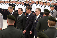 20 JUL 2004, BERLIN/GERMANY:<br /> Walter Kolbow, SPD, Parl. Staatssekretaer im BMVg, Gerhard Schroeder, SPD, Bundeskanzler, Jan Peter Balkenende, Ministerpraesident Niederlande, und Horst Koehler, Bundespraesident, (v.L.n.R.), schreiten die Front ab, Feierliches Geloebnis von Rekruten des Wachbataillons des Bundeswehr, Bendlerblock,  Bundesministerium der Verteidigung<br /> IMAGE: 20040720-01-007<br /> KEYWORDS: Gelöbnis, Vereidigung, Horst Köhler, Gerhard Schröder