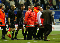 Photograph: Scott Heavey.<br />Leicester City v Blackburn Rovers. FA Barclaycard Premiership. 02/11/2003.<br />Graham Souness is shielded from the referee, Dermot Gallagher, by stewards