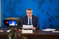 DEU, Deutschland, Germany, Berlin, 05.05.2020: Prof. Dr. Lothar H. Wieler, Präsident Robert Koch-Institut (RKI), bei einem Pressebriefing zum aktuellen Stand der Verbreitung des Coronavirus in Deutschland, Hörsaal des Robert-Koch-Instituts.