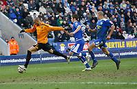 Photo: Steve Bond/Richard Lane Photography. <br />Leicester City v Hull City. Coca Cola Championship. 21/03/2008. Caleb Folan (L) bursts through before firing home goalno2
