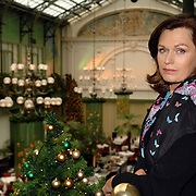 """NLD/Amsterdam/20061213 - Persconferentie SBS6 """" Grumpy Old Woman """", deelneemster Liz Snoyink"""