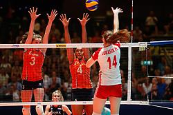 20180529 NED: Volleyball Nations League Netherlands - Poland, Apeldoorn<br />Yvon Belien (3) of The Netherlands, Celeste Plak (4) of The Netherlands <br />©2018-FotoHoogendoorn.nl