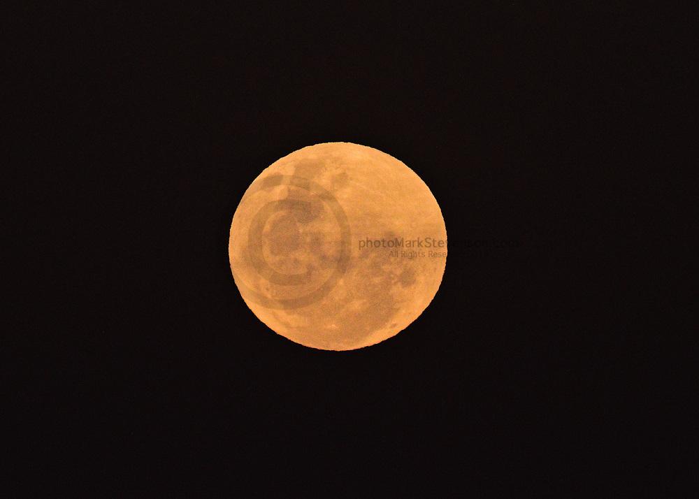 Full moon Aurora St Clair cliffs 26 Aug