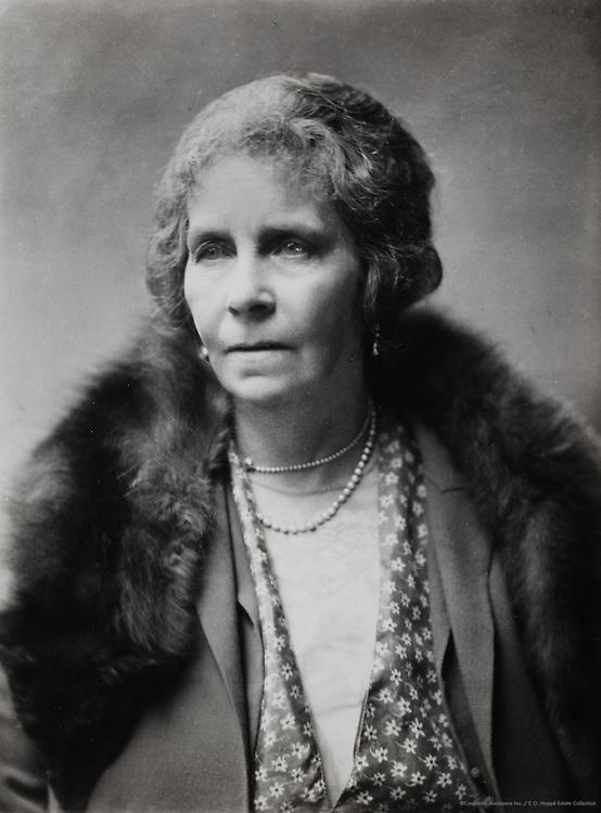 Lady Cynthia Asquith Charteris, writer & diarist, England, UK, 1928