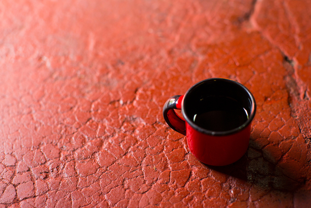 Belo Horizonte_MG, Brasil.<br /> <br /> Detalhe de caneca esmaltada de cafe.<br /> <br /> A cup of coffee.<br /> <br /> Foto: BRUNO MAGALHAES / NITRO