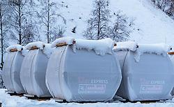 09.11.2016, Saalbach, AUT, Skicircus Saalbach Hinterglemm Leogang Fieberbrunn, im Bild verpackte Gondeln des 12er Express warten auf die Montage. Etwa 1000 Schneeerzeuger (750 Schneekanonen und 250 Schneelanzen) kommen dabei im grössten Skigebiet Österreichs zum Einsatz // newly packed gondolas of the 12er Express Lift awaiting installation. Around 1,000 Snow making machines (750 snow cannons and 250 snow lances) in the largest ski Ressort in Austria are used to make white slopes, Saalbach, Austria on 2016/11/09. EXPA Pictures © 2016, PhotoCredit: EXPA/ JFK