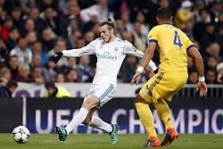 (l-r) Gareth Bale of Real Madrid, Medhi Benatia of Juventus FC during the UEFA Champions League quarter final match between Real Madrid and Juventus FC at the Santiago Bernabeu stadium on April 11, 2018 in Madrid, Spain