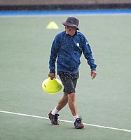 UTRECHT - assistent coach Alex Verga  tijdens  de training, in de stromende regen,  training Kampong  voor het nieuwe hockey hoofdklasse competitie. .COPYRIGHT KOEN SUYK