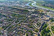 Nederland, Gelderland, Arnhem, 29-05-2019; zicht op het Spijkerkwartier (ook wel Spijkerbuurt) met Kastanjelaan, Parklaan. Gezien naar industrieterrein en Nederrijn. Woonwijk, in het verleden deels achterstandswijk en hoerenbuurt.<br /> View of the Spijker quarter  (Spijker neighbourhood) buurt), centre Arnhem.<br /> <br /> luchtfoto (toeslag op standard tarieven);<br /> aerial photo (additional fee required);<br /> copyright foto/photo Siebe Swart