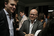 Ian Osborne and Toby Young, The Sound of No Hands Clapping. Toby Young book launch. High Road House. Chiswick, London. 11 September 2006. ONE TIME USE ONLY - DO NOT ARCHIVE  © Copyright Photograph by Dafydd Jones 66 Stockwell Park Rd. London SW9 0DA Tel 020 7733 0108 www.dafjones.com