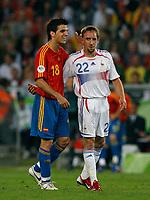 Photo: Glyn Thomas.<br />Spain v France. Round 2, FIFA World Cup 2006. 27/06/2006.<br /> France's Frank Ribery (R) shares a joke with Spain's Cesc Fabregas.