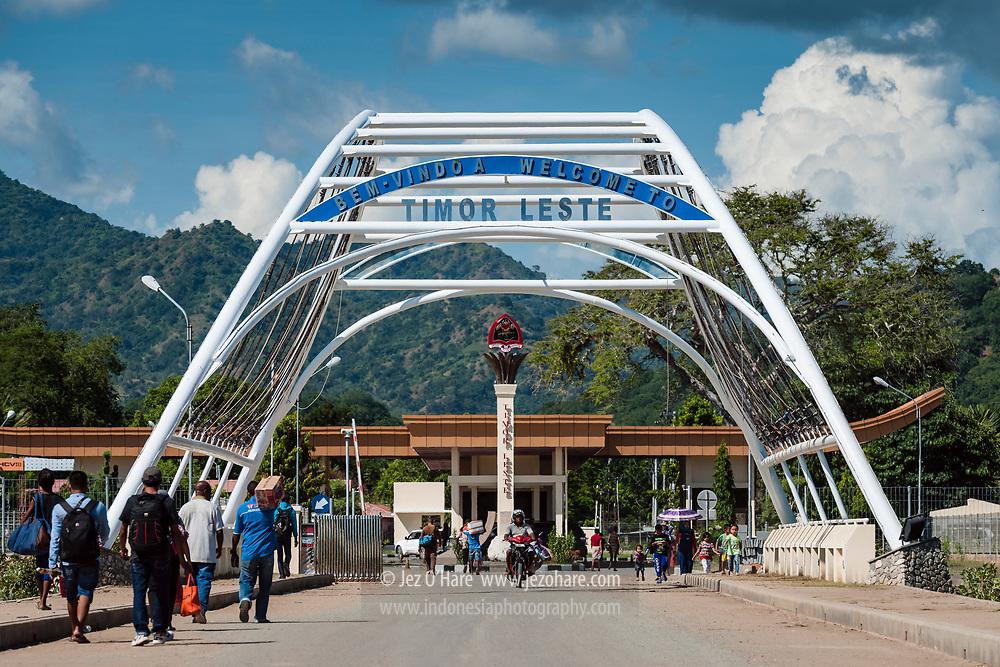 Pintu masuk Timor Leste di perbatasan Timor Leste dan Republic Indonesia.