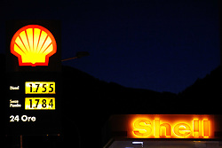 THEMENBILD, Treibstoffpreise steigen, in den vergangenen Tagen sind die Preise für Treibstoff in die Höhe gegangen. Im Bild Preisschilder an einer Shell Tankstelle bei Predazzo, Italien // PICTURE THEMES, rising fuel prices in recent days, the price of fuel went up. In the picture at a  Shell gas station price signs at Predazzo, Italy. EXPA Pictures © 2012, PhotoCredit: EXPA/ Federico Modica