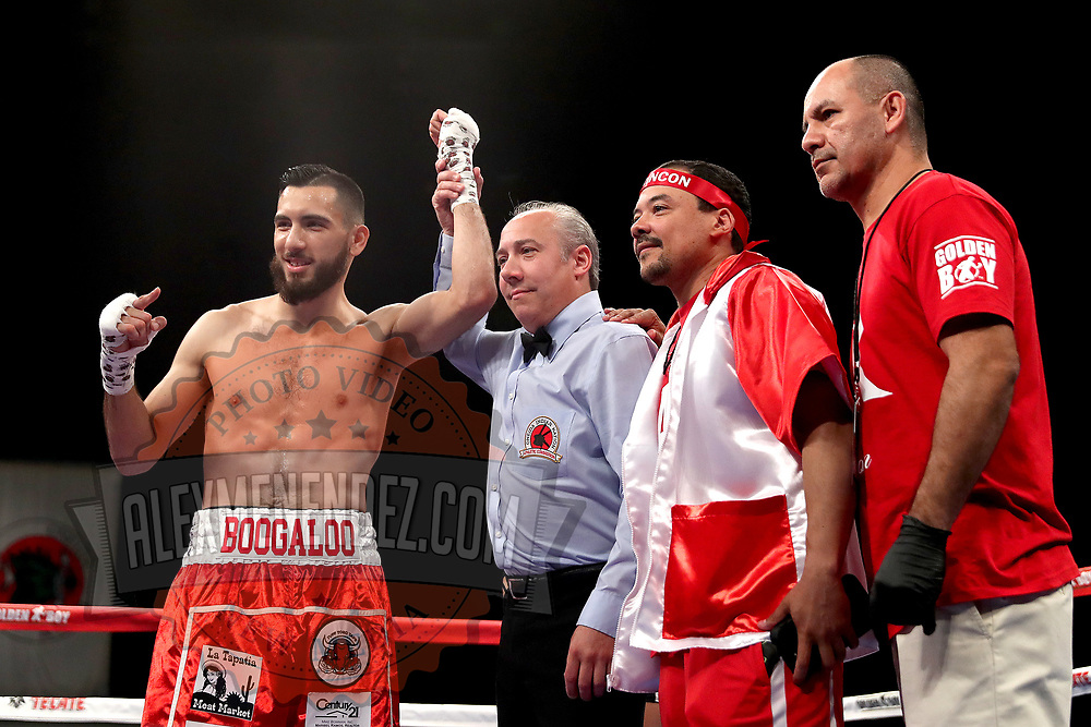 VERONA, NY - JUNE 08: Alex Rincon celebrates his first round TKO victory over Engelberto Valenzuela during the Golden Boy on ESPN fight night at Turning Stone Resort Casino on June 8, 2018 in Verona, New York. (Photo by Alex Menendez/Getty Images) *** Local Caption *** Engelberto Valenzuela; Alex Rincon