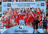 Rugby Union - 2019 Gallagher Premiership Final - Exeter Chiefs vs Saracens<br /><br />Saracens lift the trophy, at Twickenham Stadium.  <br /><br />COLORSPORT / ALAN WALTER