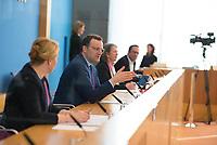 DEU, Deutschland, Germany, Berlin, 09.04.2020: Bundesfamilienministerin Dr. Franziska Giffey (SPD) und Bundesgesundheitsminister Jens Spahn (CDU) in der Bundespressekonferenz zur Unterrichtung der Bundesregierung zur Bekämpfung des Coronavirus (Covid-19).