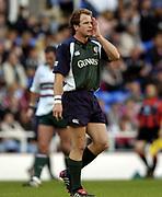 Reading, Berkshire, UK., 19th September 2004, Zurich Premiership Rugby, London Irish vs Leicester Tigers, Madejski Stadium, England,<br /> Mike Catt , calling the play.