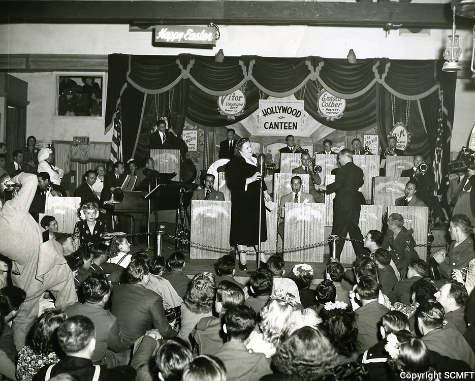 1944 Kate Smith entertains the servicemen at the Hollywood Canteen
