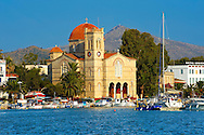 The Church of Panayitsa, Aegina Port , Greek Saronic Islands. .<br /> <br /> If you prefer to buy from our ALAMY PHOTO LIBRARY  Collection visit : https://www.alamy.com/portfolio/paul-williams-funkystock/aegina-greece.html <br /> <br /> Visit our GREECE PHOTO COLLECTIONS for more photos to download or buy as wall art prints https://funkystock.photoshelter.com/gallery-collection/Pictures-Images-of-Greece-Photos-of-Greek-Historic-Landmark-Sites/C0000w6e8OkknEb8