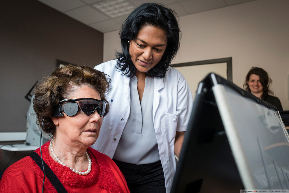 bionic eye surgery, doctor, Fanny Nerinckx, implant, surgery, UzGent