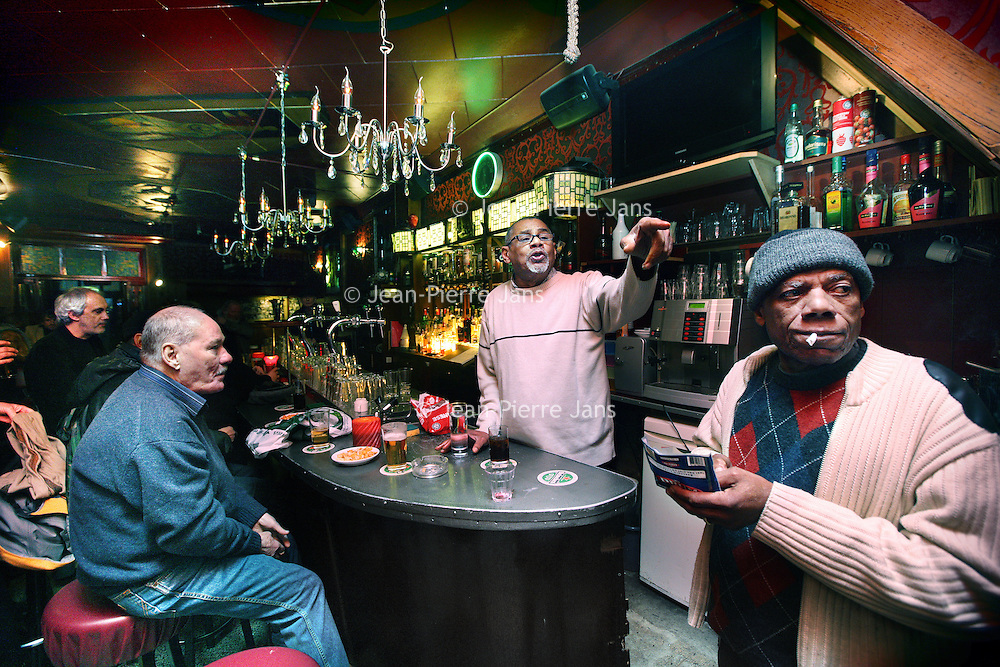 Nederland, amsterdam , 1 februari 2011..dinsdagmiddag 17.00u in de cotton club op de Nieuwmarkt..Legendary jazzpub The Cottonclub at the Nieuwmarkt, Amsterdam.