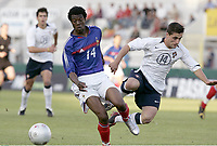 FOOTBALL - UNDER 21 TOULON TOURNAMENT 2005 - FINAL - FRANCE v PORTUGAL - 10/06/2005 -  YOANN FOLLY (FRA) / PEDRO ARAUJO (POR) <br />