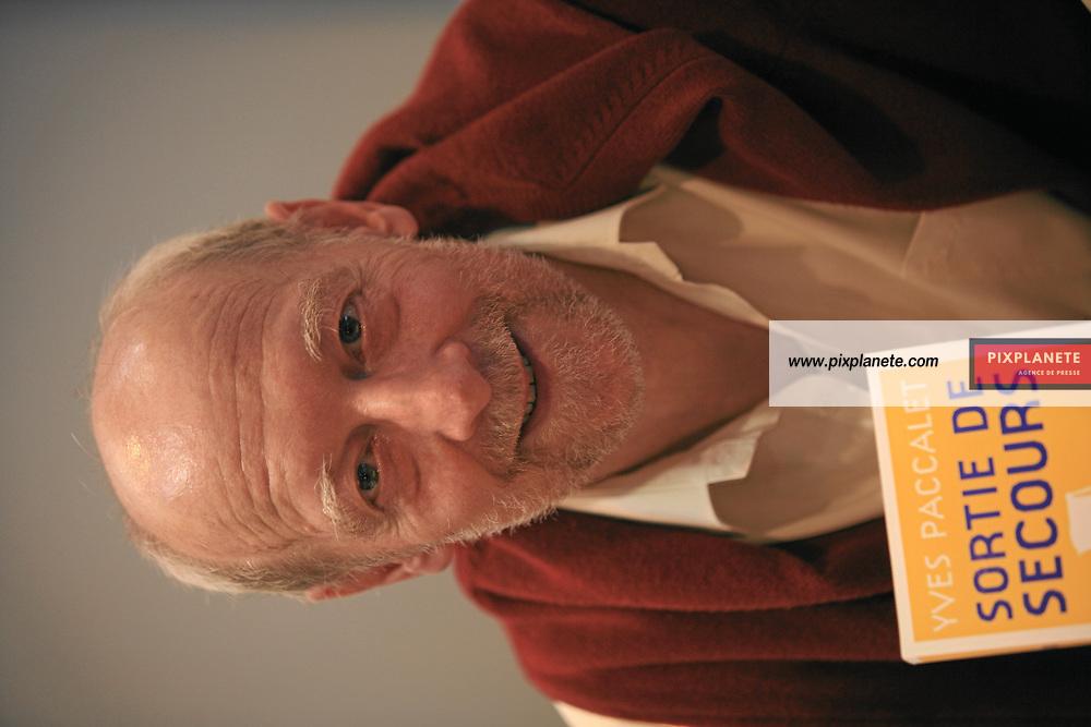 Yves Paccalet - Salon du livre - Paris, le 25/03/2007 - JSB / PixPlanete