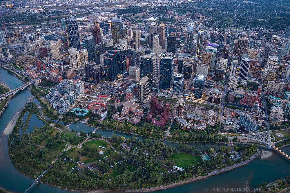 Downtown Calgary, Prince's Island, Centre & Peace Bridges
