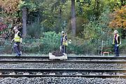 Nederland, Nijmegen, 14-10-2017 Omdat de NS, nederlandse spoorwegen, werken, werkzaamheden verrichten aan het spoor op het traject tussen Nijmegen en Roermond, het maaslijntje, de maaslijn, worden de mensen, passagiers, met bussen vervoerd. Foto: Flip Franssen