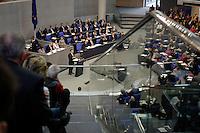 17 MAR 2005, BERLIN/GERMANY:<br /> Besuchertribuehne und Plenum waehrend der Regierungserklaerung von Gerhard Schroeder (M), SPD, Bundeskanzler, Deutscher Bundestag<br /> IMAGE: 20050317-01-042<br /> KEYWORDS: Rede, speech, Gerhard Schröder, Übersicht, Uebersicht