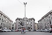 Un piazzale parcheggio tra le case popolari del quartiere Tamburi. Christian Mantuano/OneShot
