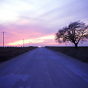 A stretch of road that heads into Perry, Oklahoma.
