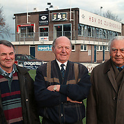 Voorzitters Huizer voetbalclubs SV Huizen en Zuidvogels