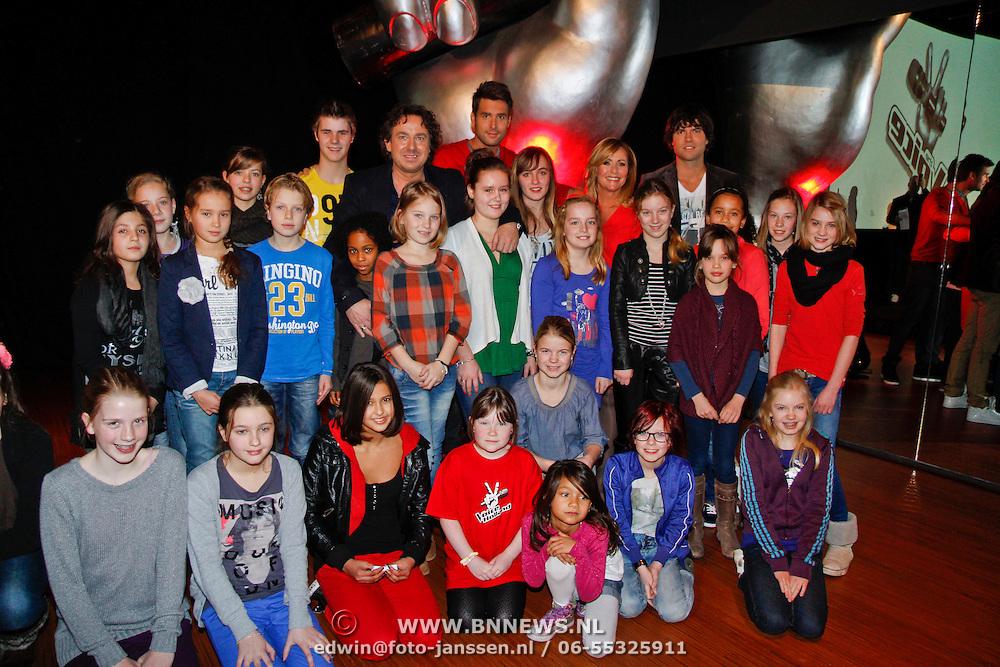 NLD/Aalsmeer/20120125 - Persconferentie the Voice Kids, Coaches Angela groothuizen, Nick, Schilder, Simon Keijzer, Marco Borsato met de kinderen die de vragen stelden