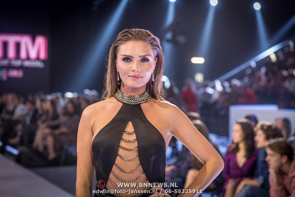 NLD/Amsterdam/20171030 - Holland Next Top Model 2017 finale, Kim Feenstra