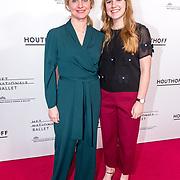 NLD/Amsterdam/20190316  - Premiere balletvoorstelling Het Zwanenmeer, Bianca Krijgsman met haar dochter