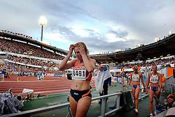 11-08-2006 ATLETIEK: EUROPEES KAMPIOENSSCHAP: GOTHENBURG <br /> Teleurstelling bij Jacqueline Poelman na de verloren race op de 200 meter<br /> ©2006-WWW.FOTOHOOGENDOORN.NL