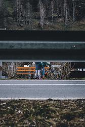 THEMENBILD - Kinder auf ihrem Tretroller und einem Fahrrad hinter einer leeren Straße, aufgenommen am 03. April 2020 in Kaprun, Oesterreich // Children on their scooter and a bicycle behind an empty street, in Kaprun, Austria on 2020/04/03. EXPA Pictures © 2020, PhotoCredit: EXPA/Stefanie Oberhauser
