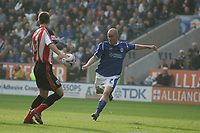 Photo: Pete Lorence.<br />Leicester City v Southampton. Coca Cola Championship. 14/10/2006.<br />Iain Hume slams the ball into the back of the net and takes Leicester to a 2-1 lead.