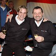 Presentatie Christian Albers als Formule 1 coureur bij het team van Minardi, met Paul Stoddart