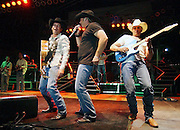 Chris Cagle and Clay Walker perform in Ogden. 2006.
