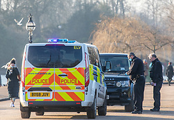 © Licensed to London News Pictures. 07/01/2021. London, UK. Police stop a motorist as they patrol Hyde Park in London on the 2nd day of lockdown as cases continue to rise throughout the UK. This week, Prime Minister Boris Johnson plunged England into another lockdown as he ordered schools to close and office workers to work from home as the government ramps up vaccinations with the Oxford Covid-19 vaccine. Photo credit: Alex Lentati/LNP