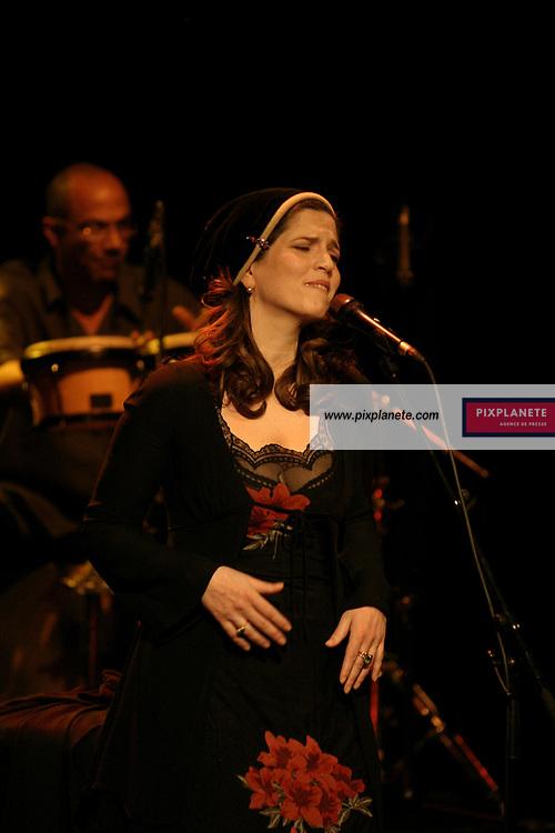 Agnès Jaoui en concert à l'Européen à Paris. JSB / PixPlanete - 14 / 3 / 2006