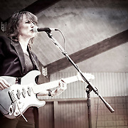 Sue DaBaco live in concert in 2009. Photo © Jennifer Rondinelii Reilly. All rights reserved. No use without permission. Contact me for any reuse or licensing inquiries.