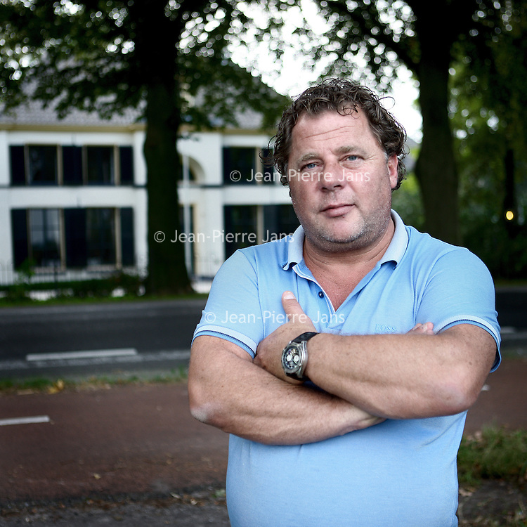 Nederland, Baarn , 19 september 2014.<br /> Ronald Nijman op zoek naar zijn biologische vader.<br /> <br /> De Inmiddels overleden vader bleek miljonair te zijn geweest.<br /> An adopted Dutchman who flew to Austria to track down his real parents has launched a multi-million pound inheritance claim after discovering his real father was a wealthy local businessmen.Under Austrian law, children are guaranteed a share of their parents wealth and it isn't possible to disinherit them.Ronald Nijman, 42, had been born illegitimately in 1970 in Feldkirch, Austria, and was handed over to a local monastery and then given up for adoption. He ended up living in Holland.In 2008 he had decided to try and track down his real parents and discovered evidence that the wealthy millionaire from Dornbirn was his real father.<br /> Foto:Jean-Pierre Jans