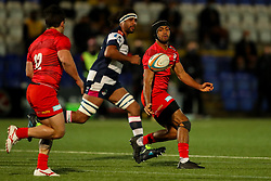 Elliott Obatoyinbo of Saracens passes to Juan Pablo Socino - Mandatory by-line: Nick Browning/JMP - 26/02/2021 - RUGBY - Butts Park Arena - Coventry, England - Coventry Rugby v Saracens - Friendly