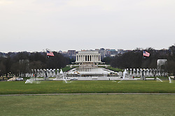 THEMENBILD - Blick vom Fuss des Washington Monument auf WW-II-Memorial, den Reflecting Pool und das Lincoln Memorial. Reisebericht, aufgenommen am 12. Jannuar 2016 in Washington D.C. // View from the foot of the Washington Monument on WW II Memorial, the Reflecting Pool and the Lincoln Memorial. Travelogue, Recorded January 12, 2016 in Washington DC. EXPA Pictures © 2016, PhotoCredit: EXPA/ Eibner-Pressefoto/ Hundt<br /> <br /> *****ATTENTION - OUT of GER*****