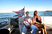 Friidrett , 31. Mai 2014, Pressetreff på båt i Oslofjorden i forbindelse med Exxon Mobile Bilsett Games<br /> Tonje Angelsen , Høydehopper , Norge med den Franske stavhopperen Renaud Lavillenie<br /> Foto: Sjur Stølen / Digitalsport