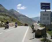 Motociclisti sullo Julerpass..Bikers on Julerpass